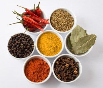 Маленькие секреты применения приправ и специй во время приготовления мяса на гриле или шашлыка