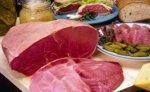 Польша предлагает Украине снять запрет на ввоз польского мяса